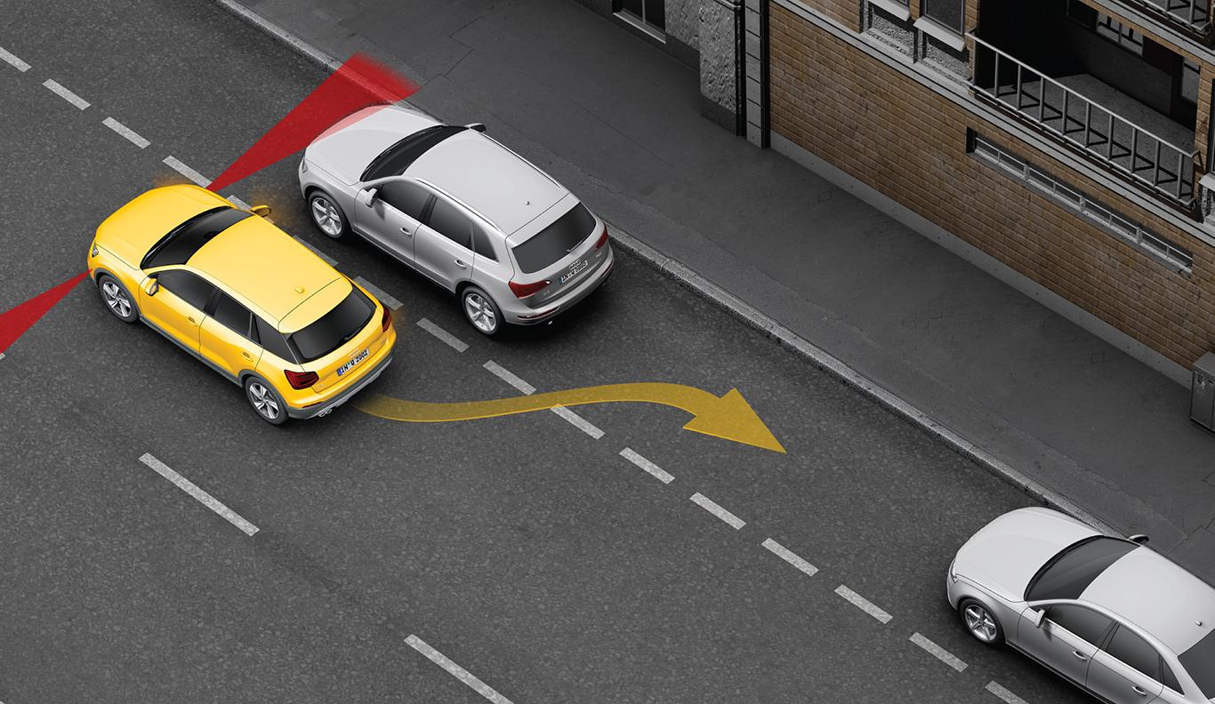 Sicher in jede Lücke mit dem Parkassistenten. Das Sensor-gestützte System misst die Abstände, berechnet den idealen Winkel und steuert den Parkvorgang des Q2 fast automatisch.