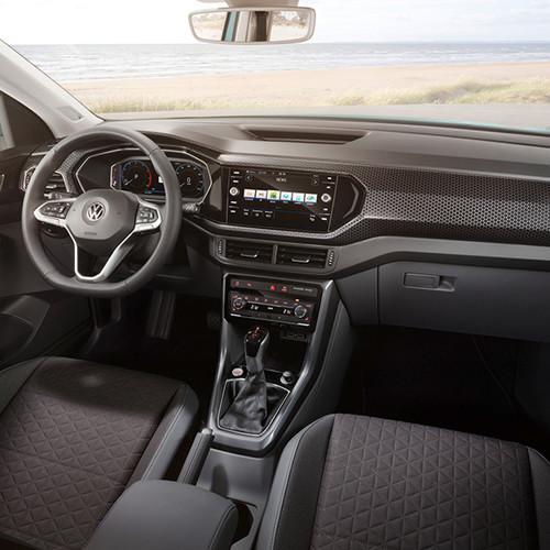 VW T-Cross, Halbseitenansicht/Frontansicht Innenraum/Cockpit