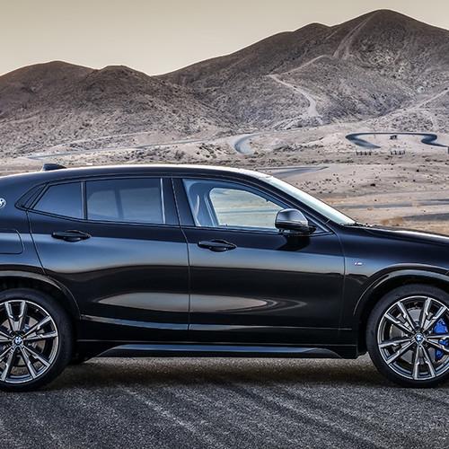 BMW X2 M35i, Seitenansicht, stehend, schwarz