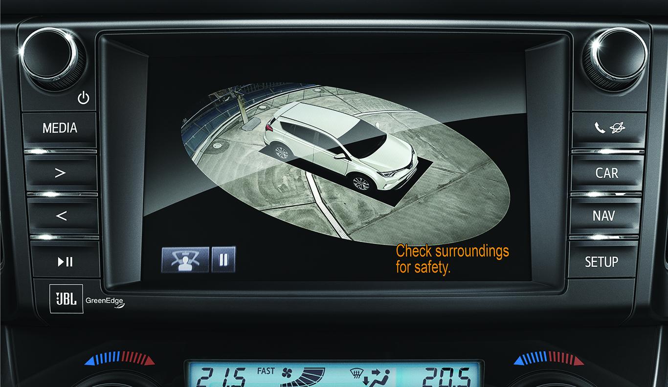 """Topmodern und exklusiv: Das 360°-Kamera-System ist erst ab der Linie Toyota RAV4 """"Team Deutschland"""" erhältlich. Dort aber auch nur im 1.500 Euro teuren Verbund mit weiteren Assistenz-Features!"""