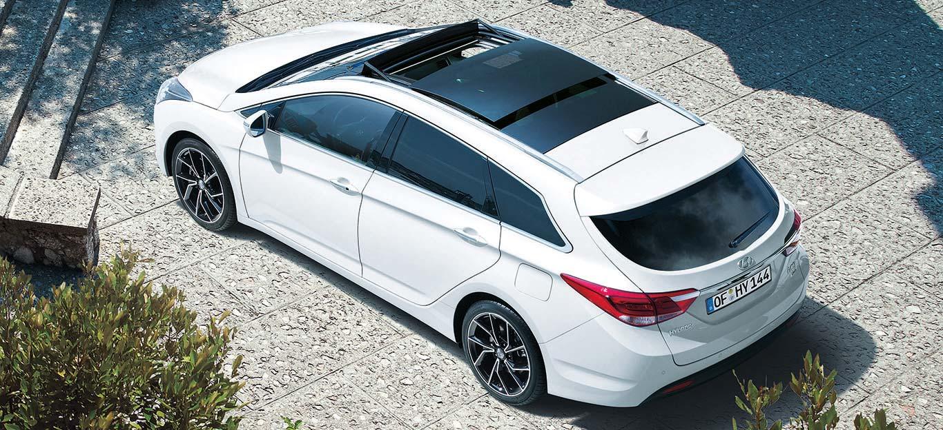 Hyundai i40 Kombi, Facelift, Modelljahr 2019, weiß, Vogelperspektive