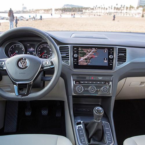 VW Golf Sportsvan 2018 Facelift Cockpit