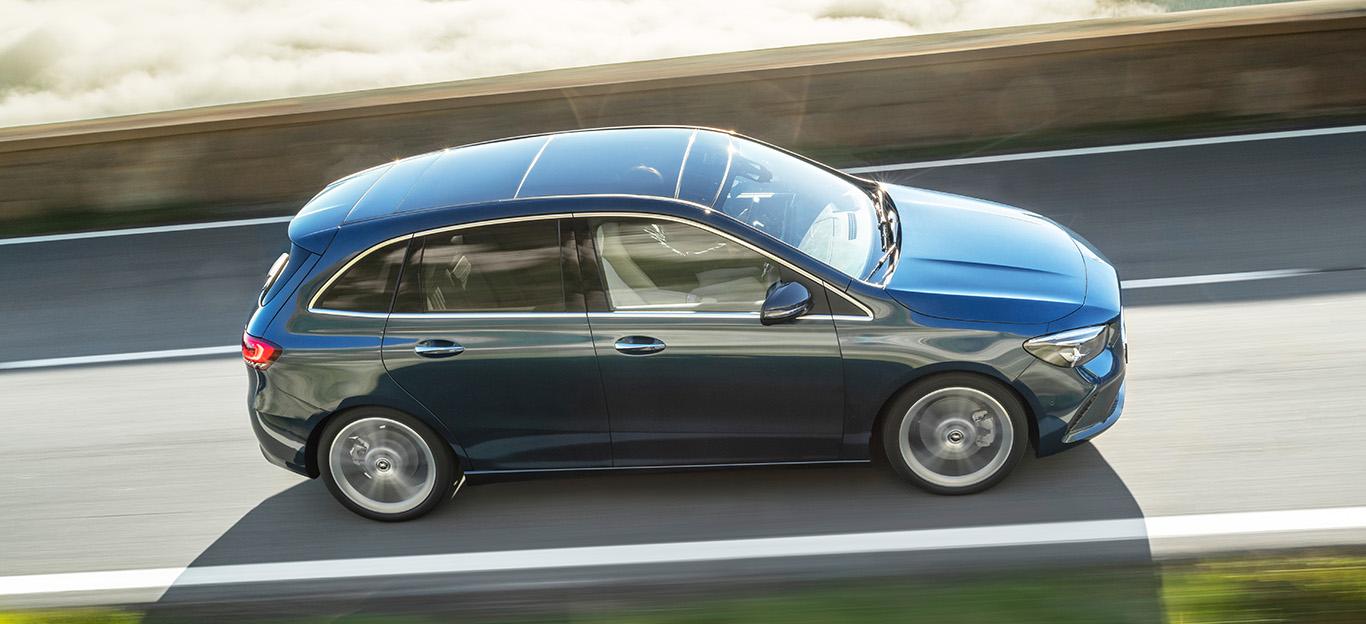 Mercedes B-Klasse 2018, denim blue, Seitenansicht, Fahraufnahme