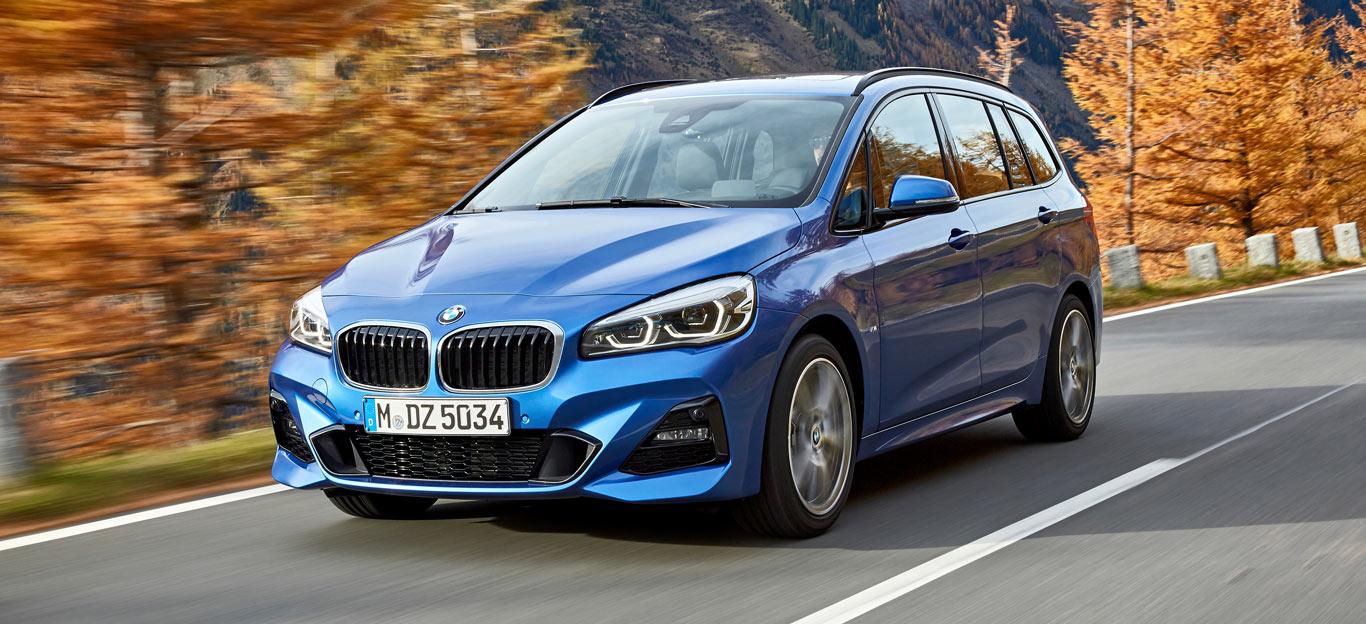 BMW 2er Gran Tourer, Halbseitenansicht von vorne, fahrend, blau
