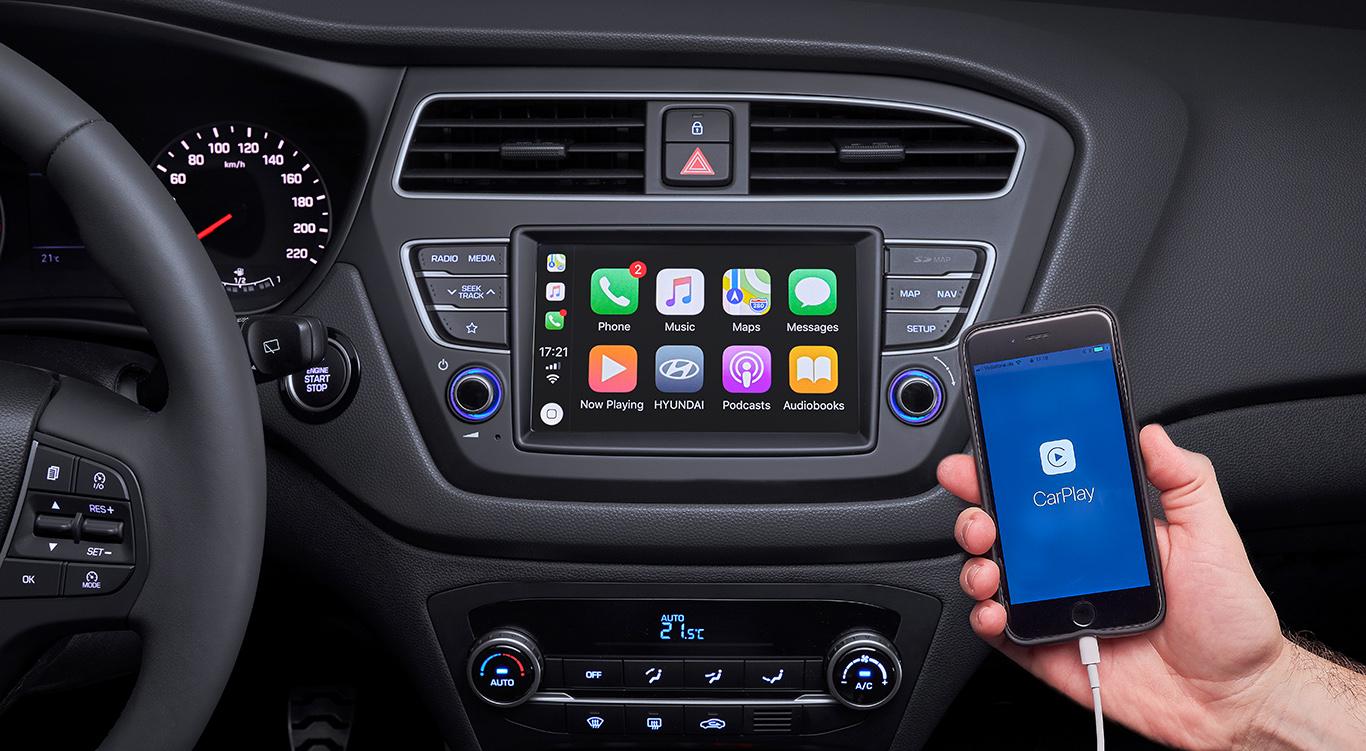 """Apple CarPlay sowie Android Auto gehören zur Serienausstattung des Sondermodells Hyundai i20 """"Yes!""""."""