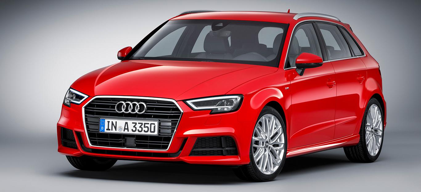Audi A3 Sportback, Halbseitenansicht von vorne, stehend, rot