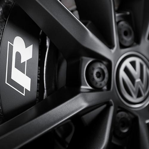 VW T-Roc R, Detailaufnahme, Felgen mit R-Logo