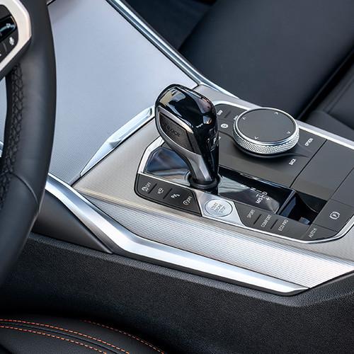 BMW 3er, Nahaufnahme Bedienelemente Mittelkonsole / Schaltung