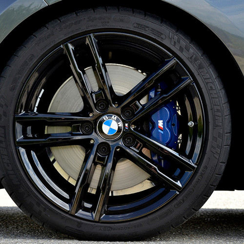 BMW 1er, Felge mit M-Signet, Nahaufnahme