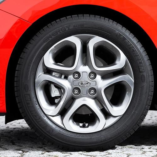 Hyundai i20, Facelift 2018, rot, Felgen