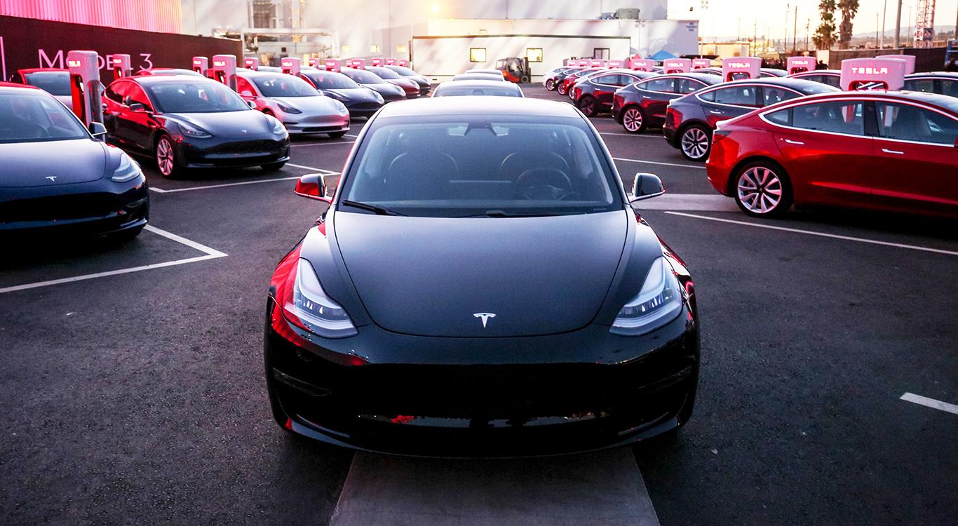 Gekommen, um zu siegen: Kann das Tesla Model 3 auch hierzulande im Mittelklasse-Segment ein gewichtiges Wörtchen mitreden?