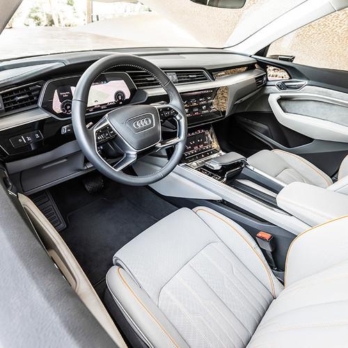 Audi e-tron, SUV-Neuheit, Elektroauto, Cockpit, Innenraum