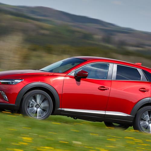 Mazda CX-3 Seitenansicht rot