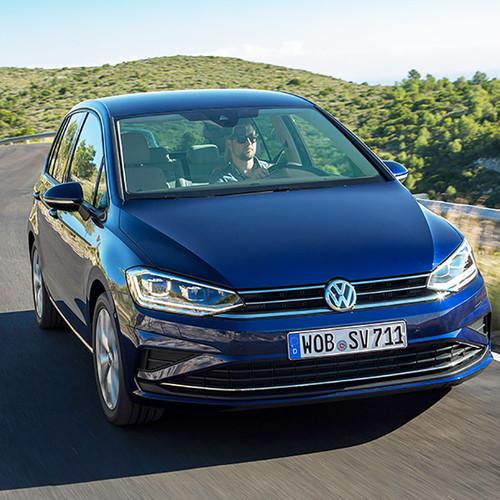 VW Golf Sportsvan 2018 Facelift blau Fahraufnahme Front