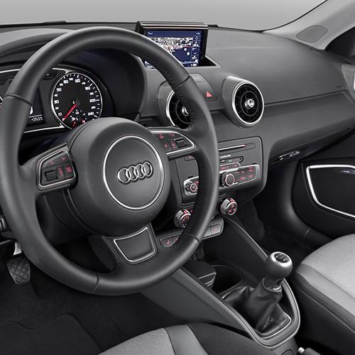 Cockpit des Kleinwagens Audi A1.