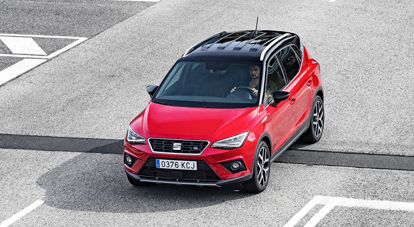 Der kleine SEAT Arona steht auf der gleichen Plattform wie der Ibiza, bietet aber wesentlich mehr Platz.