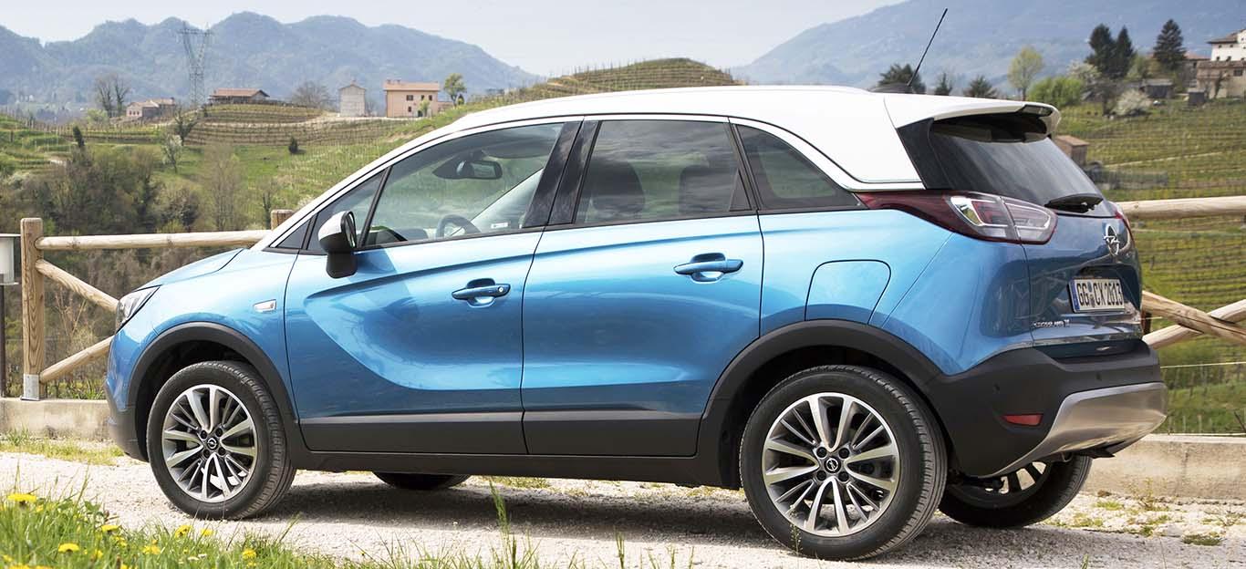 Opel Crossland X, Seitenansicht, stehend, blau