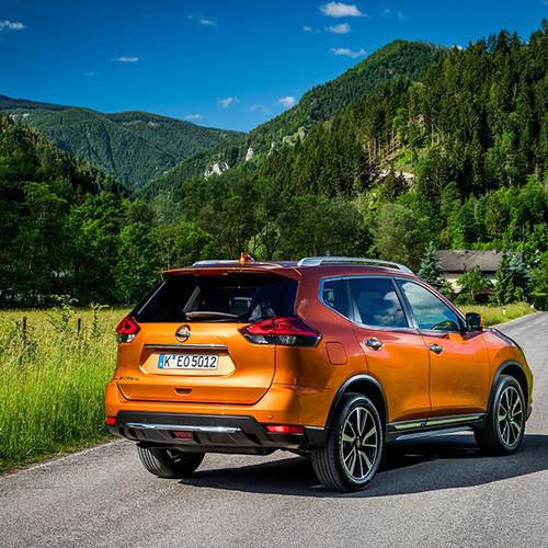 Nissan X-Trail, Heckansicht, T32, orange
