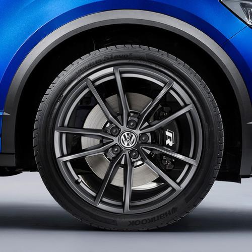 VW T-Roc R, Nahaufnahme, Felgen mit R-Logo