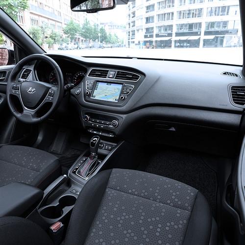 Hyundai i20, Facelift 2018, Cockpit, Innenraum