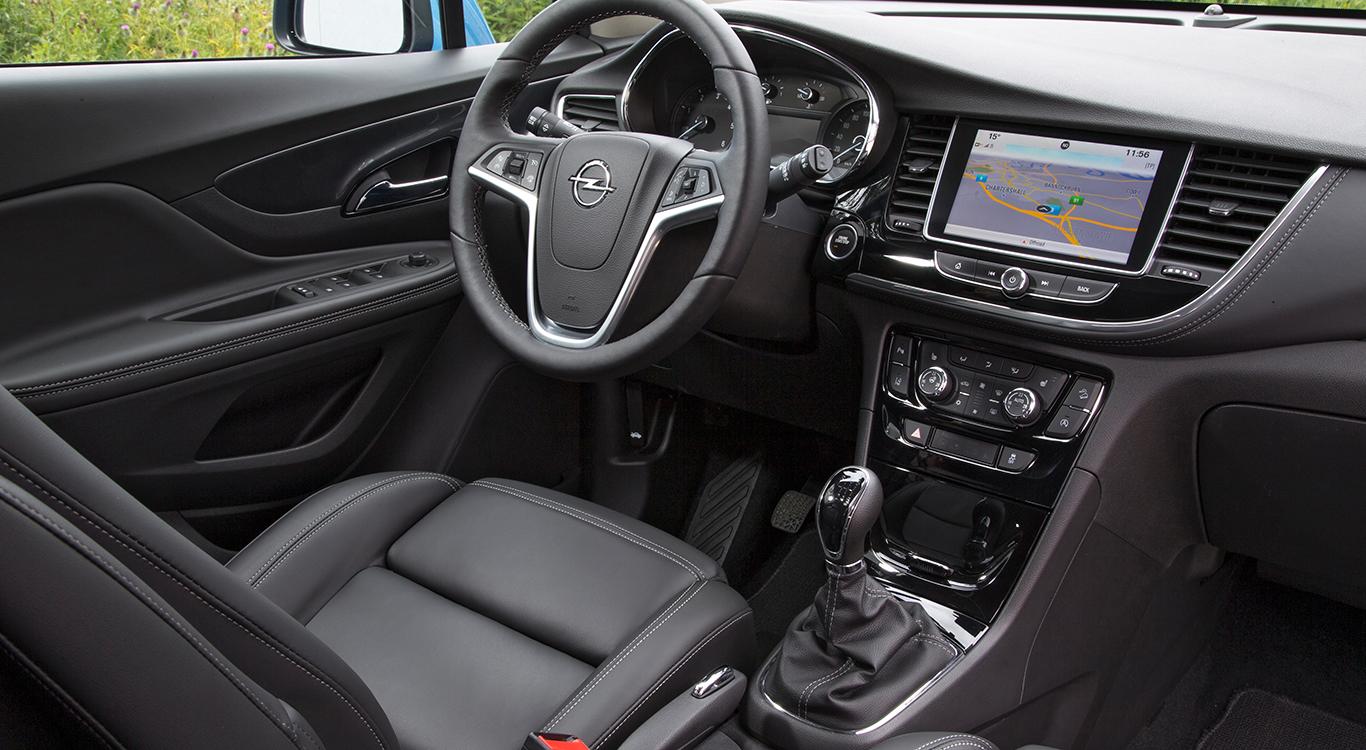 Volles Programm im Opel Mokka X Ultimate: Sitz- und Lenkradheizung, schwarzes Leder und vieles mehr bescheren den Insassen ein hohes Maß an Komfort.