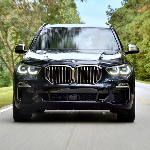 BMW X5 2018, Frontansicht, Fahraufnahme, dunkel