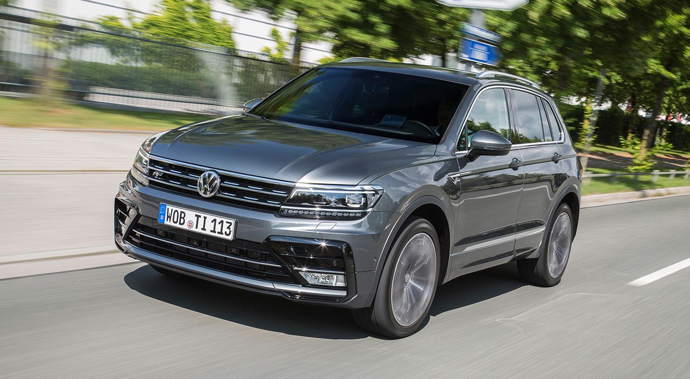 Die VW Tiguan R-Line-Ausstattung ist vor allem an der aggressiver und dynamischer gehaltenen Front erkennbar.
