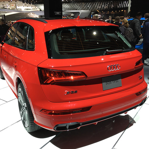 Rückansicht des Audi SQ5.
