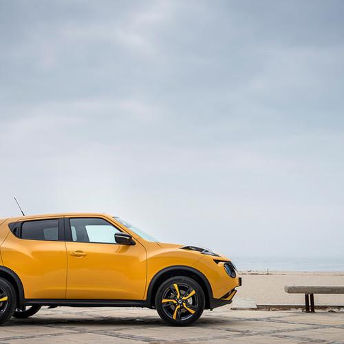 Seitenansicht des Nissan Juke, sunlight yellow metallic