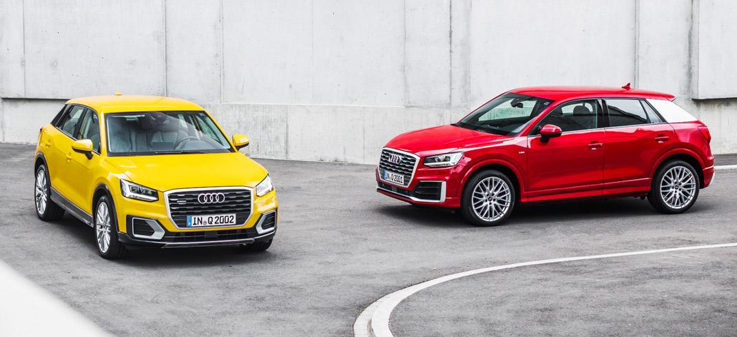 Ansicht zweier Audi-Q2-Modelle