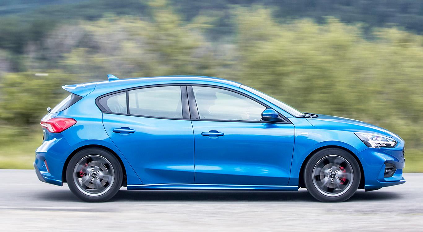 Die im Herbst 2018 gestartete, neue Generation des Ford Focus (Mk4) besitzt einen längeren Radstand als der Vorgänger, wirkt daher gestreckt.