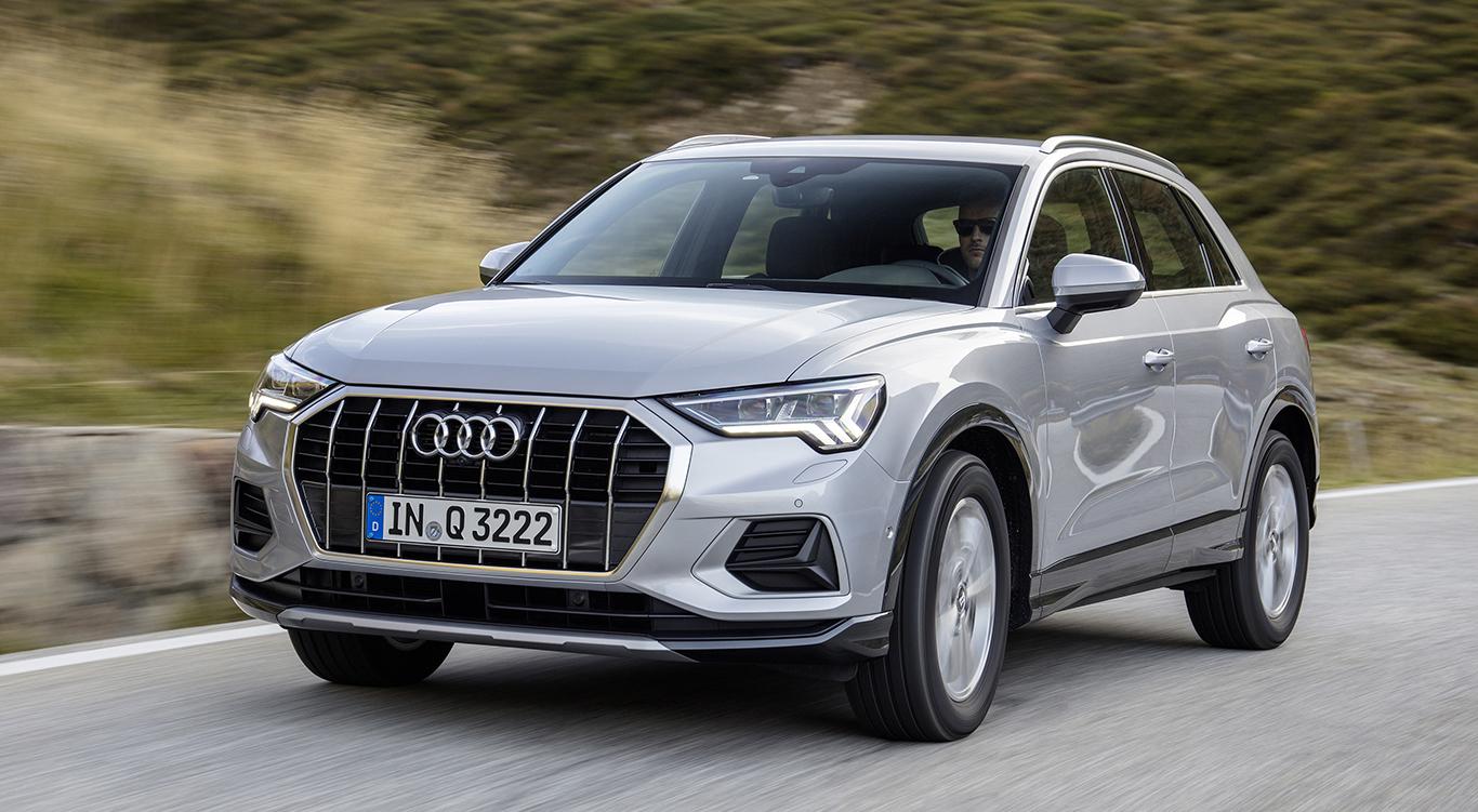 """Der Audi Q3 2019 als Modellvariante """"advanced"""": Die Frontpartie mutet sehr bullig an. Hier tritt der Unterfahrschutz deutlich hervor, was den """"advanced"""" durchaus als Nachfolger des Audi Q3 """"sport"""" qualifiziert."""