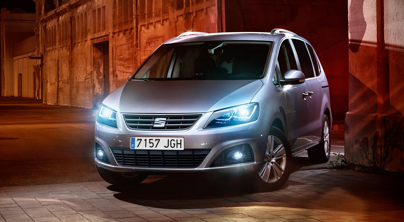 Die spanische VW-Tochter bietet ihren geräumigen Van in vier verschiedenen Ausstattungsvarianten an.