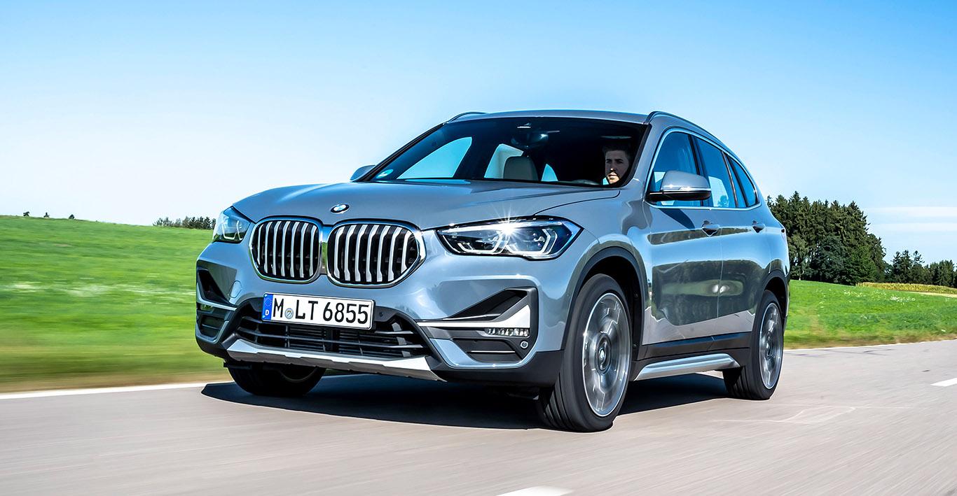 """Vor allem zu erkennen an den markanten Chrom-Längsstäben an der unteren Frontpartie: der neue BMW X1 """"xLine"""""""