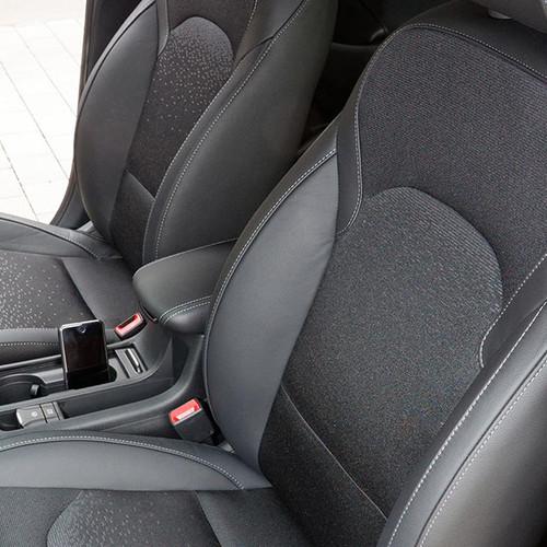 Hyundai i30 Kombi, Innenansicht, Stoff-Sitze im Cockpit