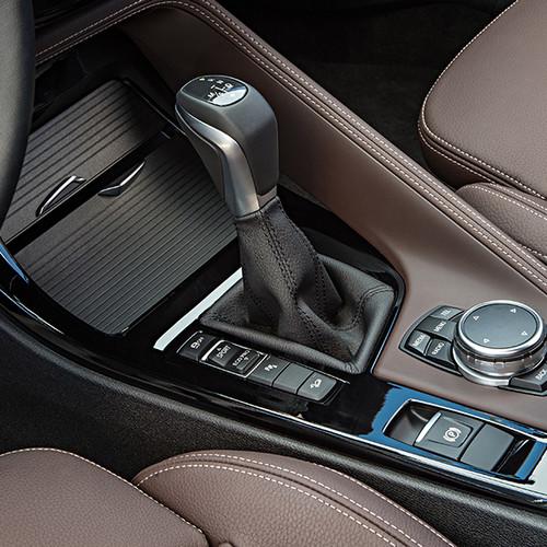 BMW X1, Nahaufnahme Schalthebel
