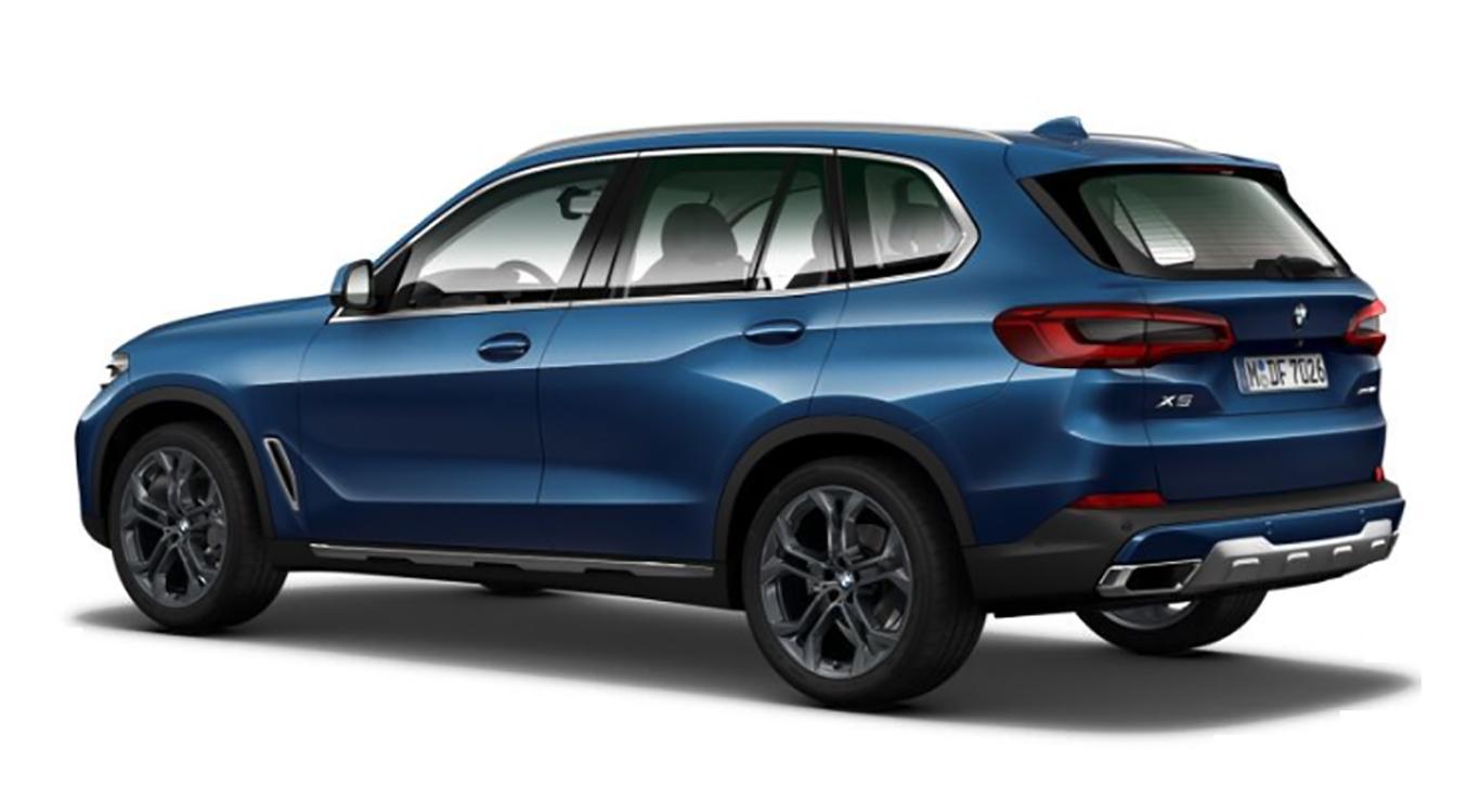 """Das Ergebnis unseres Konfigurator-Tests: blauer BMW X5 xDrive30d in """"Phytonic-Blau"""" mit der Ausstattungslinie xLine."""