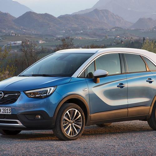 Opel Crossland X in blau, Seitenansicht