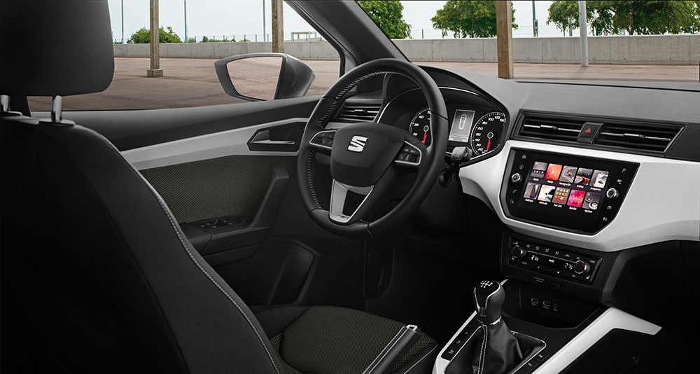 Seit dem Facelift 2017 ist Zukunft angesagt: Das Golf-Cockpit mit Gestensteuerung.