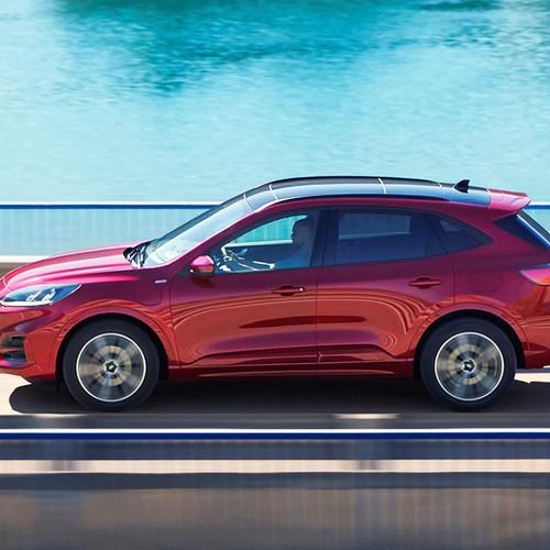 Neuer Ford Kuga 2019, rot, Seitenansicht