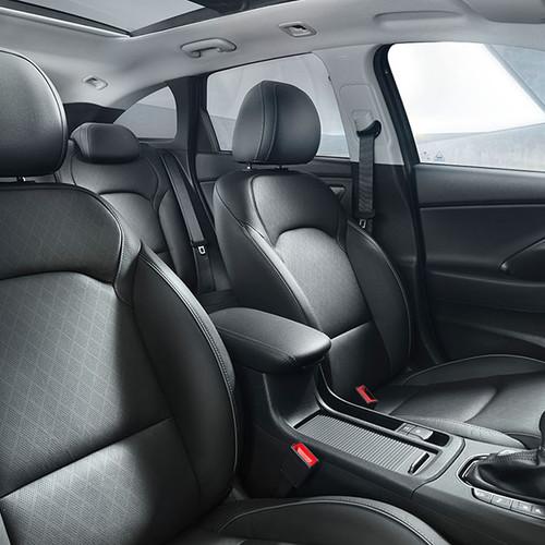Hyundai i30 Kombi, Innenansicht, Sitzbezüge / Cockpit