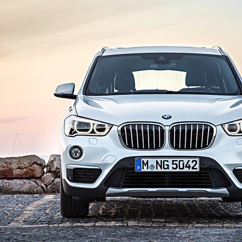 BMW X1, Ansicht von vorn, stehend, weiß