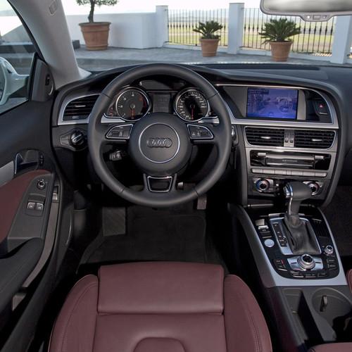Der Innenraum des Audi A5 Facelift im Jahr 2011