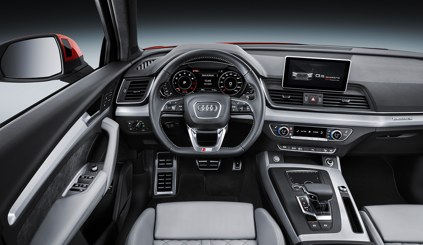 """Das Hochglanz-Interieur der Audi Q5 """"S line""""-Ausstattung bleibt dem Basismodell leider verwehrt. Den Chic gibt es bloß für """"sport"""" und """"design""""."""