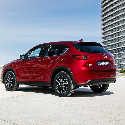 Mazda CX-5, Halbseitenansicht von hinten, rot