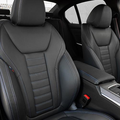 BMW 3er, Cockpit mit Sportsitzen, Halbseitenansicht von vorn