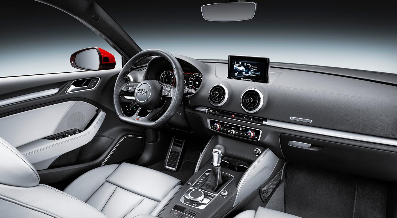 Den Premium-Kompakten Audi A3 Sportback gibt es in zwei höherwertigen Ausstattungsvarianten zu kaufen: Design und Sport.