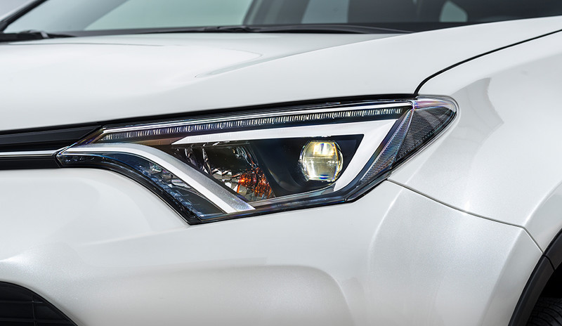 Toyota RAV4, Nahaufnahme Scheinwerfer