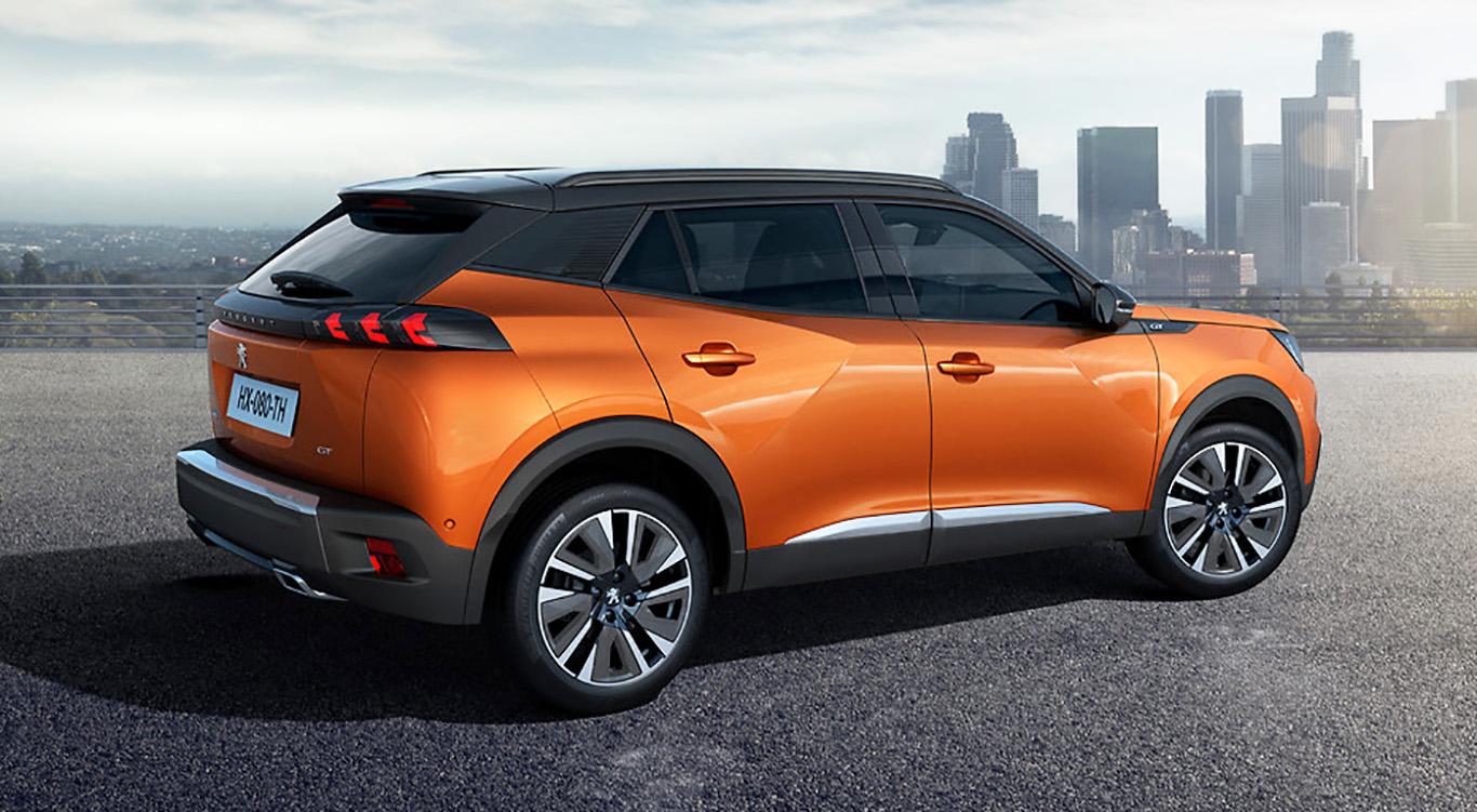 Der auch als E-Auto erhältliche, neue Peugeot 2008 nimmt es ohne Umschweife mit dem Stadtverkehr auf.