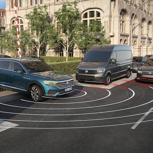 VW Touareg 2018, blau, Fahrassistenzsysteme